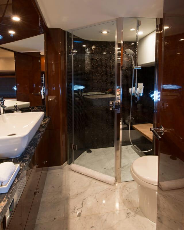 Livernano guest bathroom