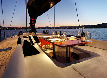 Lupa of London deck dining