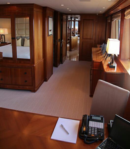 M4 master foyer