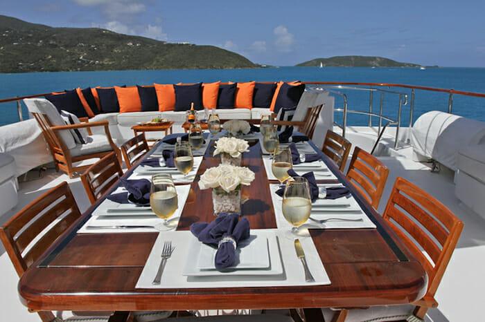 M4 sundeck dining