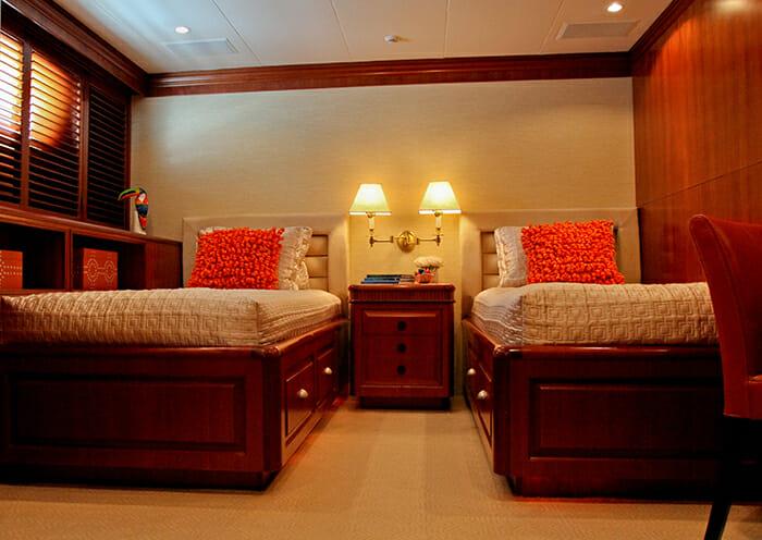 M4 twin cabin