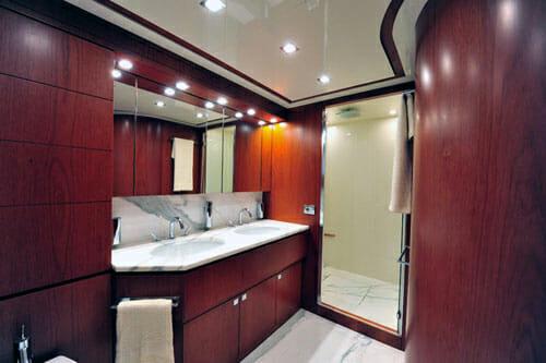 Marnaya master bathroom