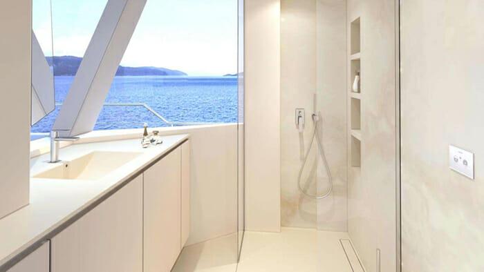 Mayrilou guest bathroom
