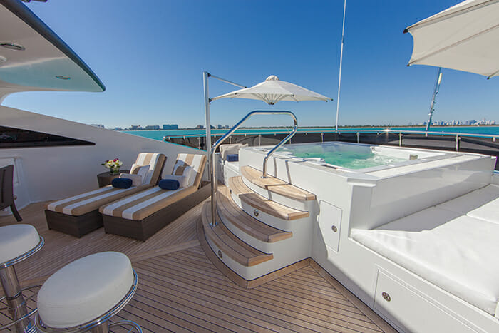 Mustang Sally sundeck jacuzzi