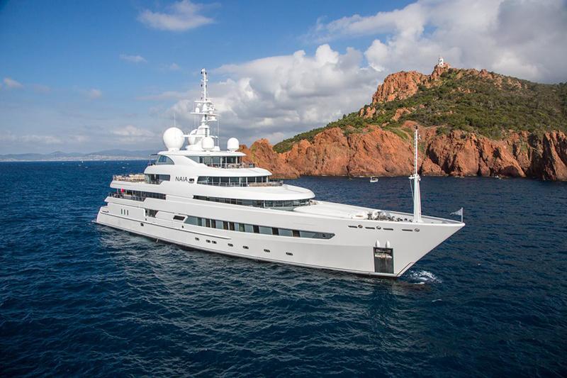 Yacht Naia