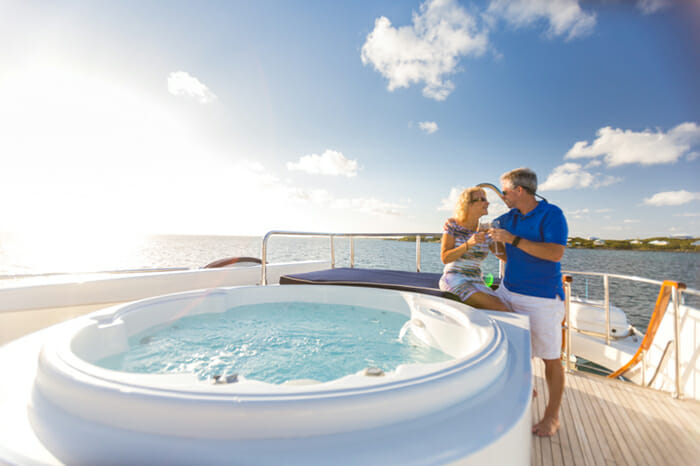 No Buoys flybridge jacuzzi