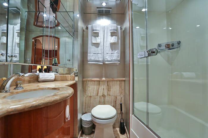 No Complaints guest bathroom