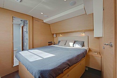 Nova guest cabin