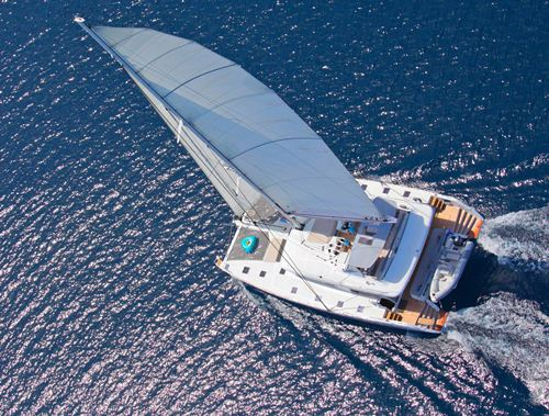 Catamaran Nova