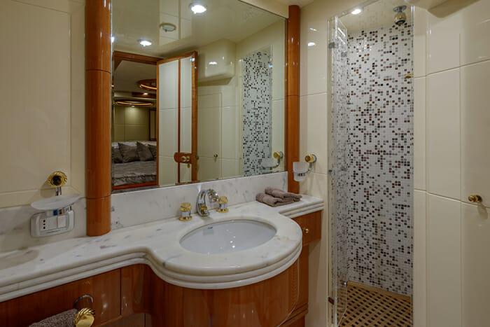 Novela guest bathroom