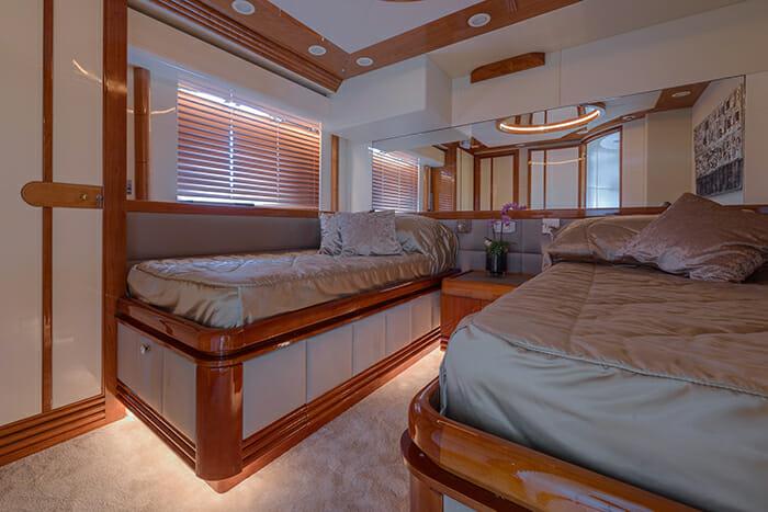 Novela twin cabin