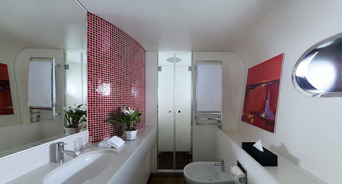 Ocean Emerald guest bathroom