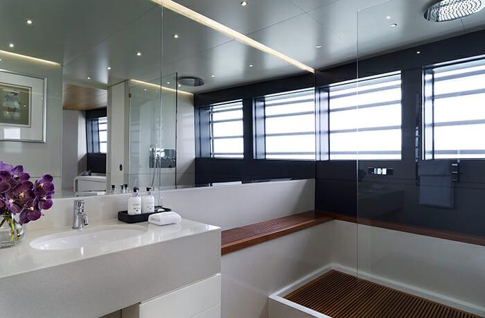 Ocean Emerald master bathroom