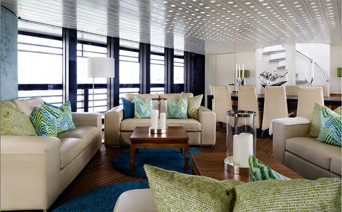 Ocean Emerald salon