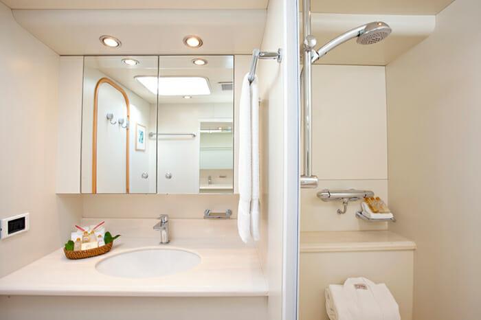 Oceans Seven 2 guest bathroom