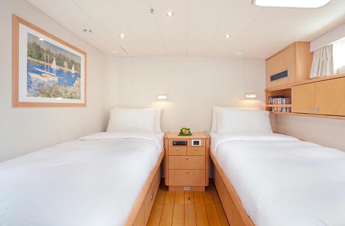 Oceans Seven 2 twin cabin