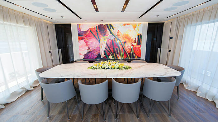 Ouranos dining