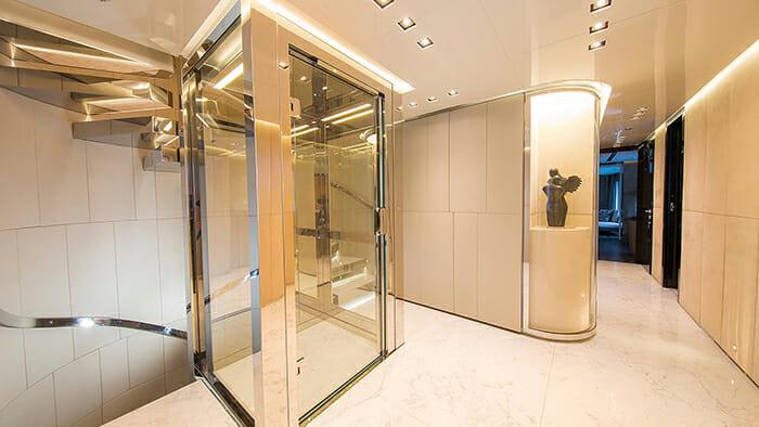 Ouranos elevator