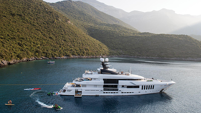 Yacht Ouranos
