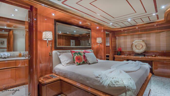 Paradise master cabin