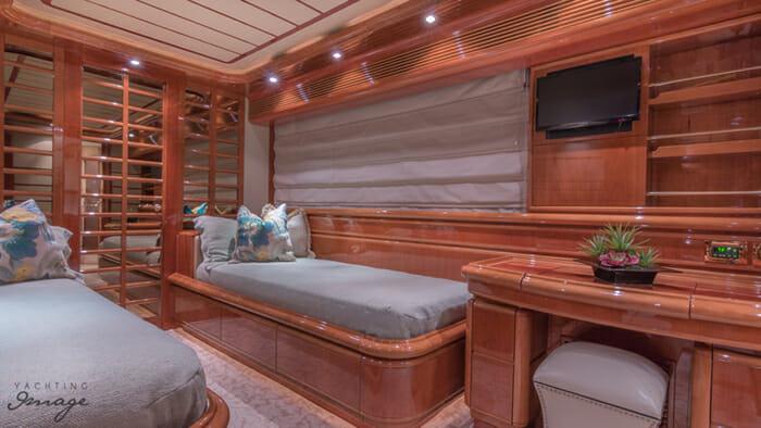 Paradise twin cabin
