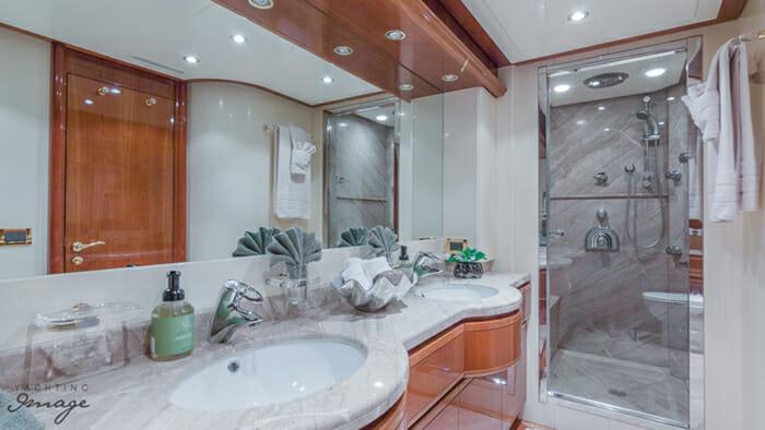 Paradise vip bathroom