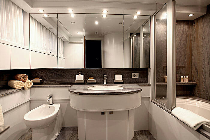 Paris A master bathroom