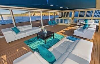 Passion bridge deck