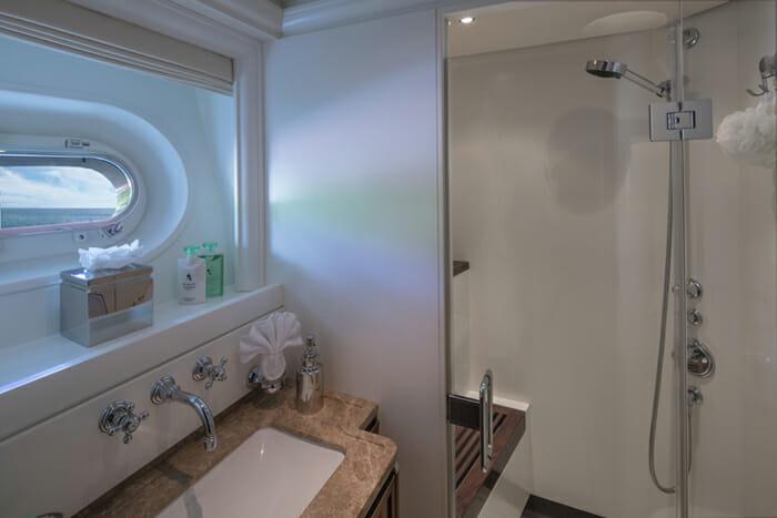 Pura Vida guest bathroom