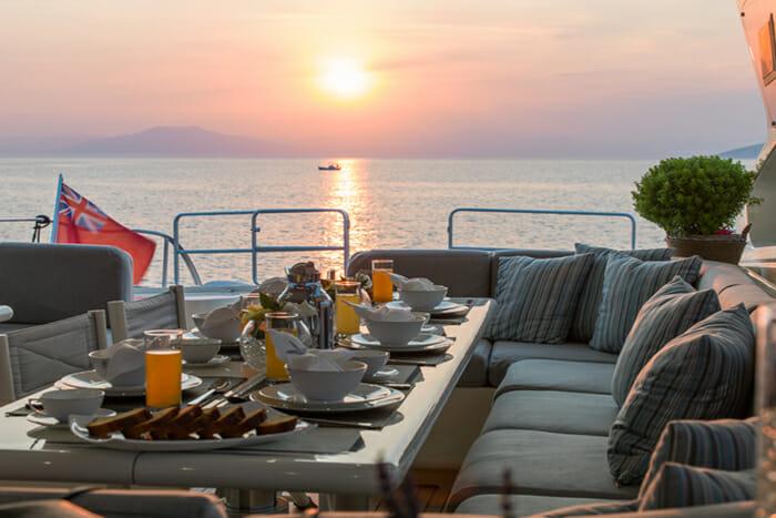 Romachris II deck dining