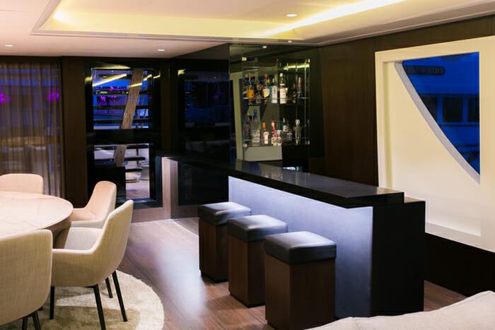 Sahana salon bar