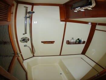 Sandcastle guest bathroom