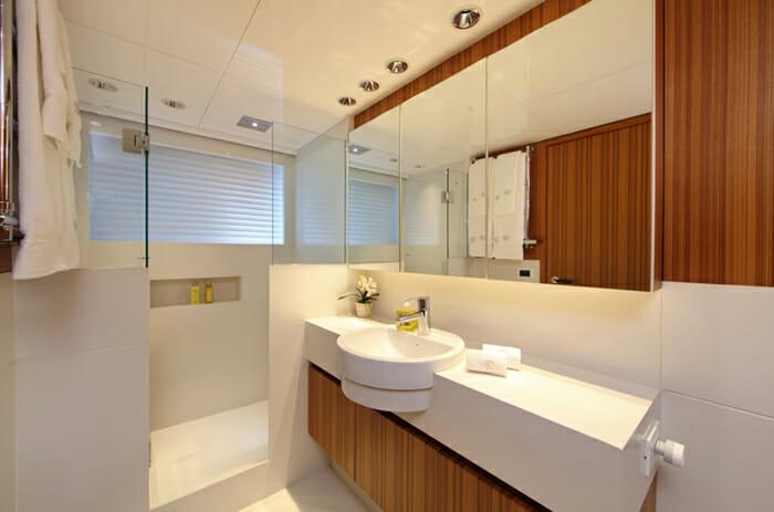 Sea Shell twin bathroom