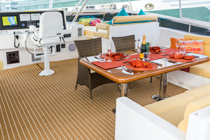 Seaglass flybridge dining