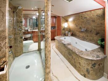 Serengeti master bathroom