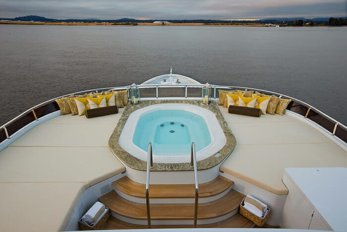 Silver Lining sundeck jacuzzi