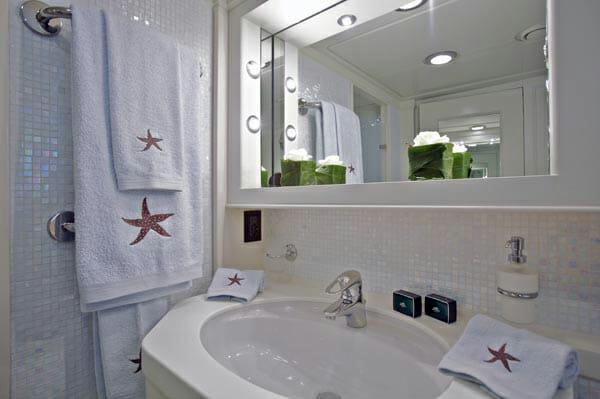Suncoco master bathroom