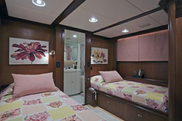 Suncoco twin cabin