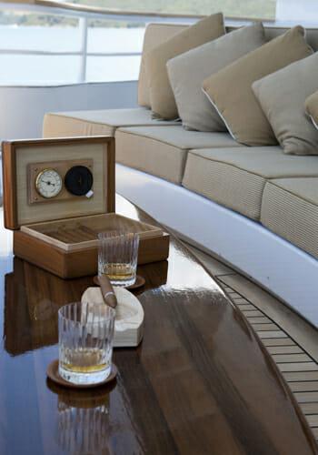 Suri cigar deck
