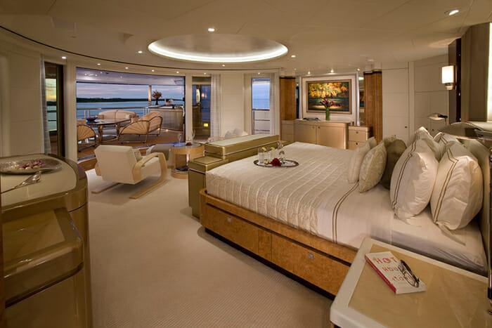 Sycara V master cabin