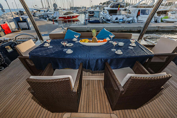 The Best Way aft deck dining