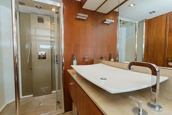 The Best Way master bathroom