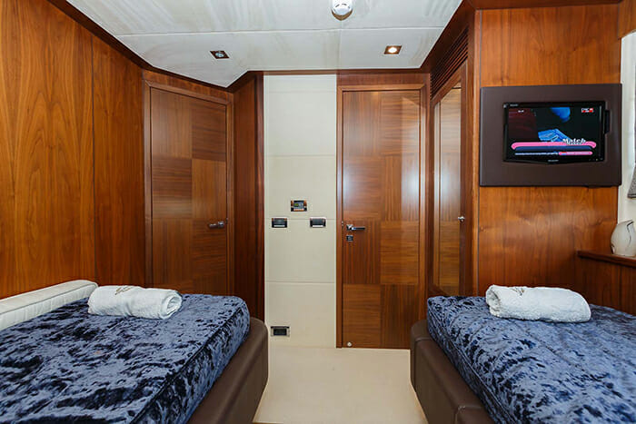The Best Way twin cabin