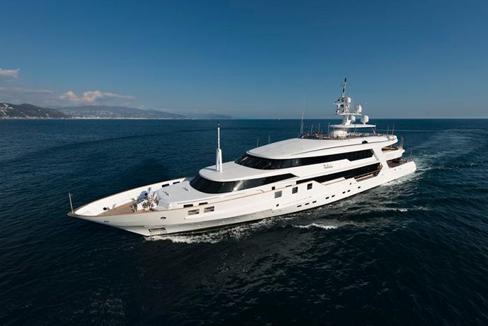 Yacht The Wellesley
