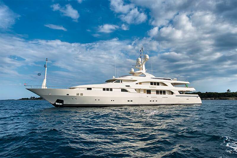 Yacht Tommy