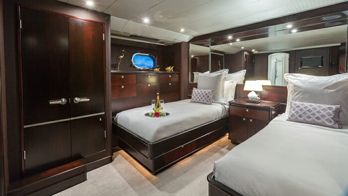 Unbridled twin cabin