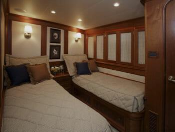 Victorian Rose twin cabin