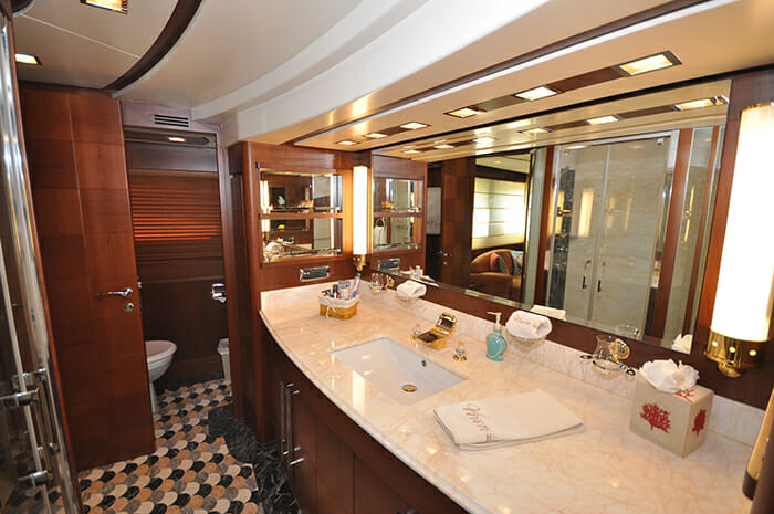 Vivere master bathroom