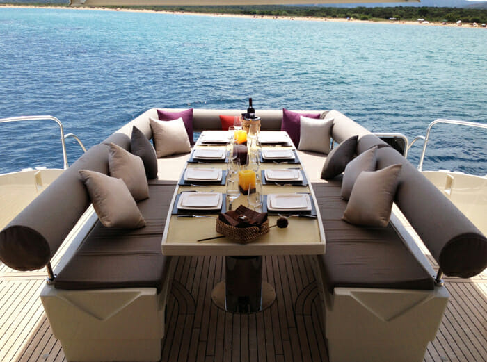 Yachtmind aft deck dining