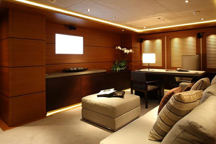 Zaliv III master office